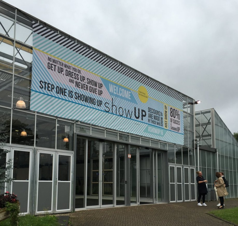 show up 2016