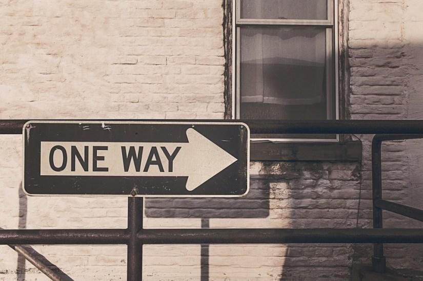 one-way-street-362172_960_720