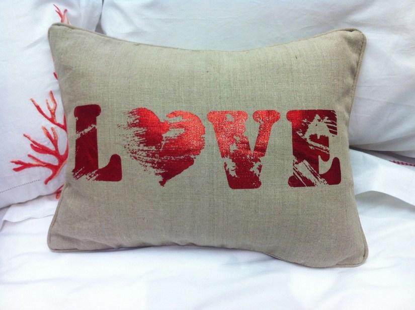 love-115878_960_720