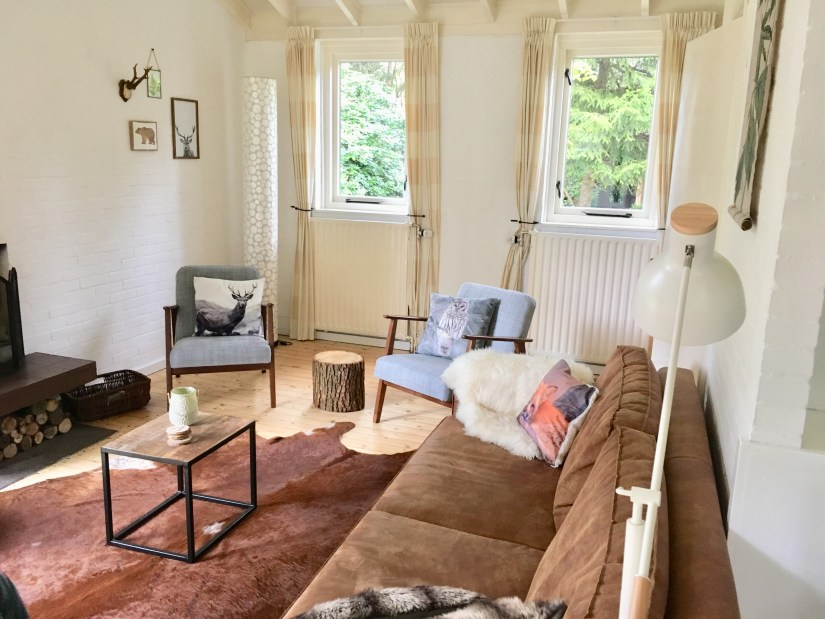 woonkamer-bed&boshuisje-puurvangeluk