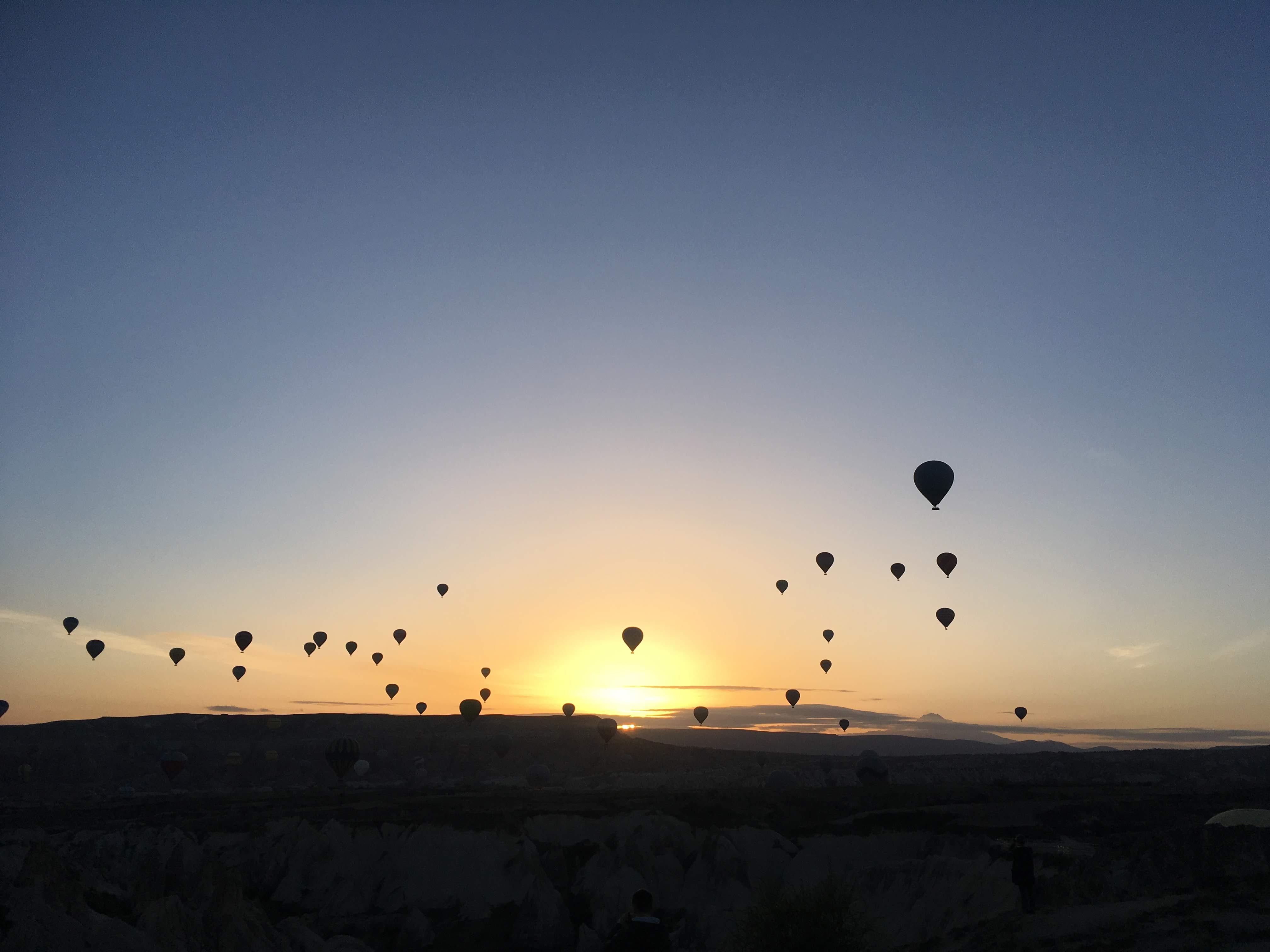 カッパソキア 気球 朝日