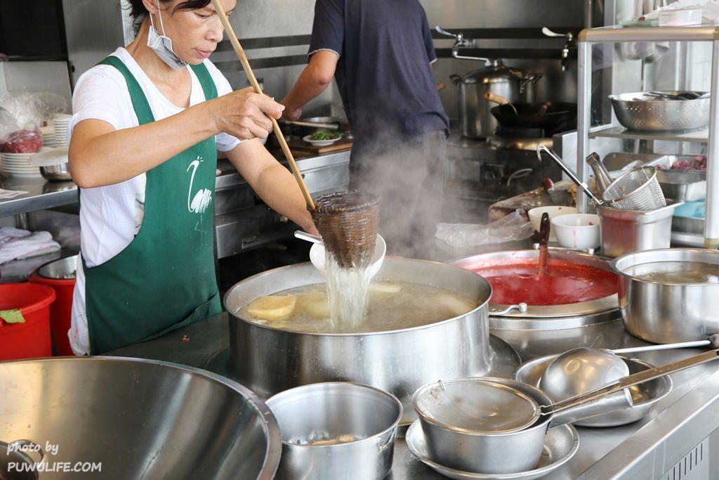 【助仔牛肉湯】台南安平區。台南人ㄟ早餐.紅麴牛肉羹x牛雜切盤x炒牛舌♥