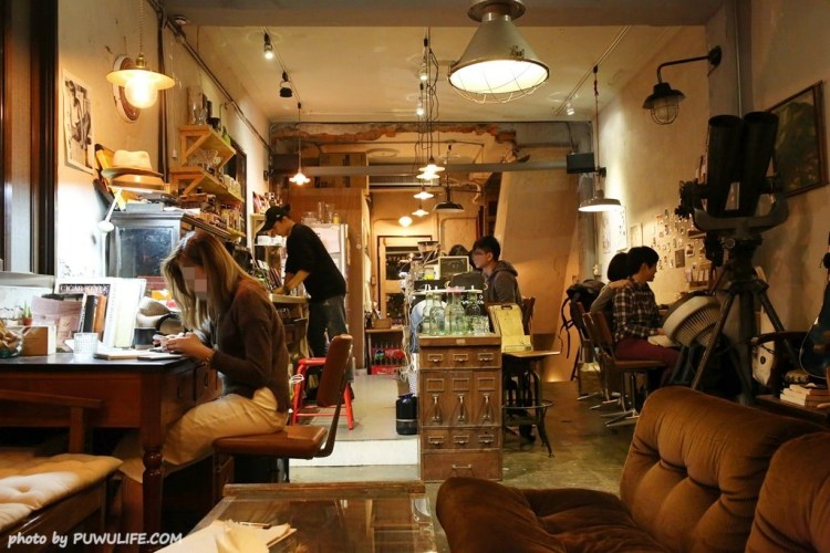 【Congrats Cafe】大安區。頹圮感十足的深夜咖啡館、小酒館(信義安和站/文昌街)