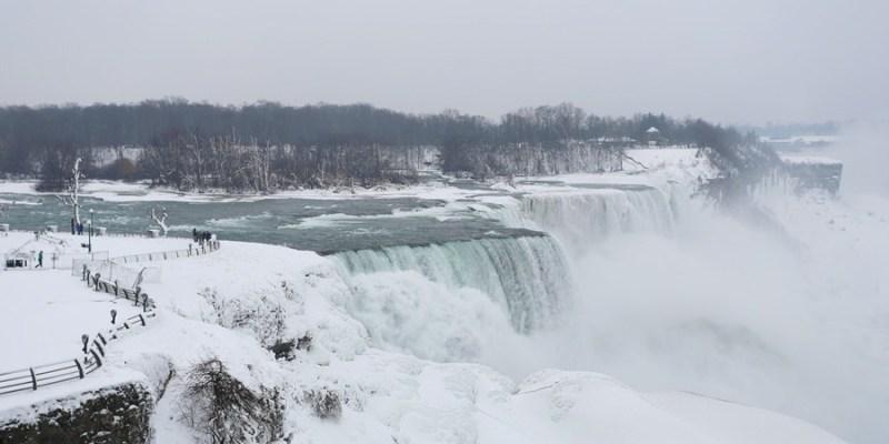 【冬季大蘋果】冰天雪地之尼加拉瀑布(Niagara Falls)結凍啦!