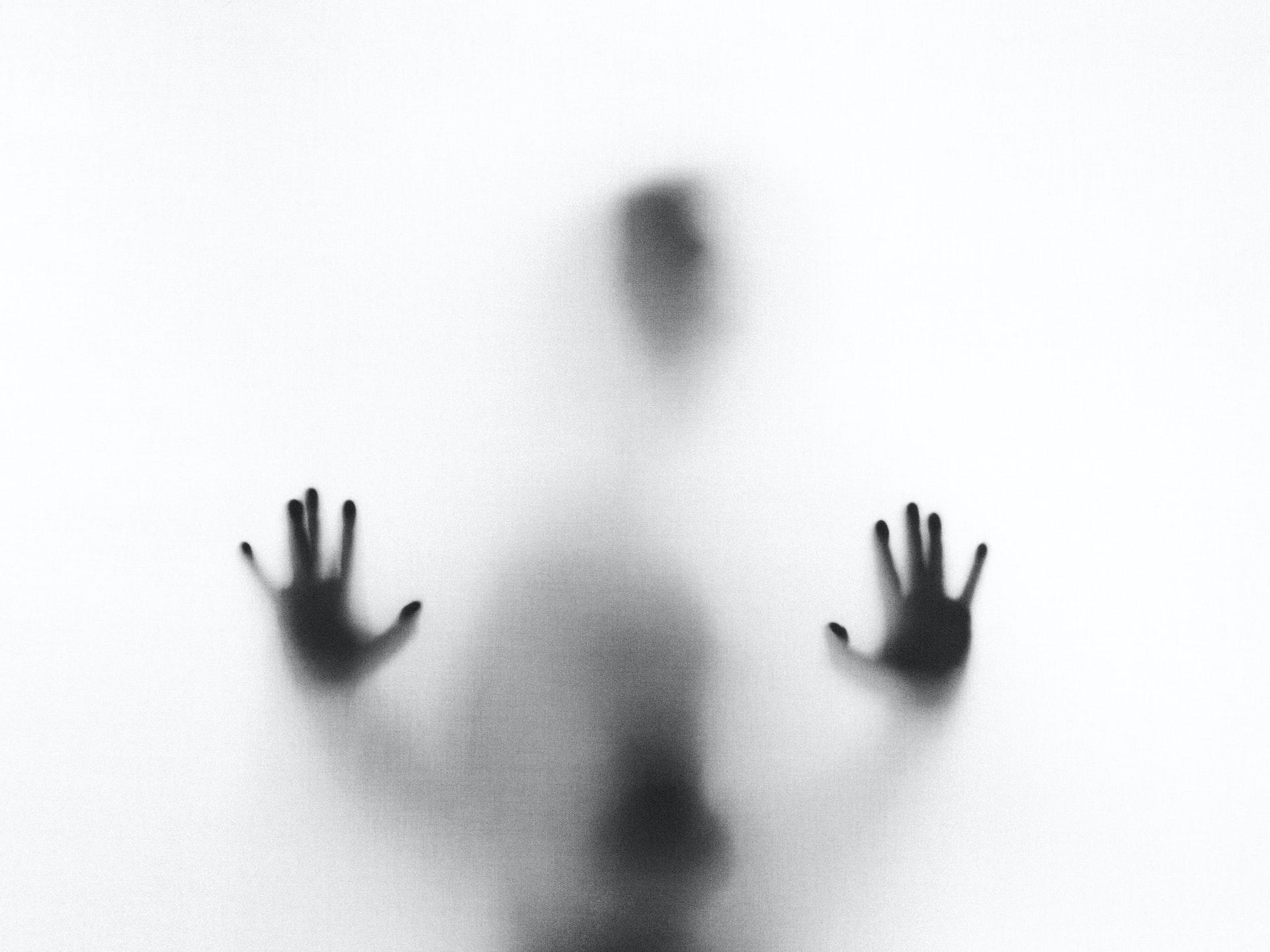 逃げたい人の画像