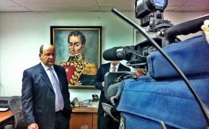 """Díaz: """"El CNE debe rectificar su decisión"""""""