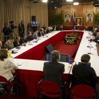 34% de los ciudadanos cree que la oposición ganó el debate, 25% cree que fue Maduro