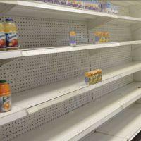 Solo tres de cada 10 venezolanos creen que el desabastecimiento es porque Gobierno no entrega los dólares