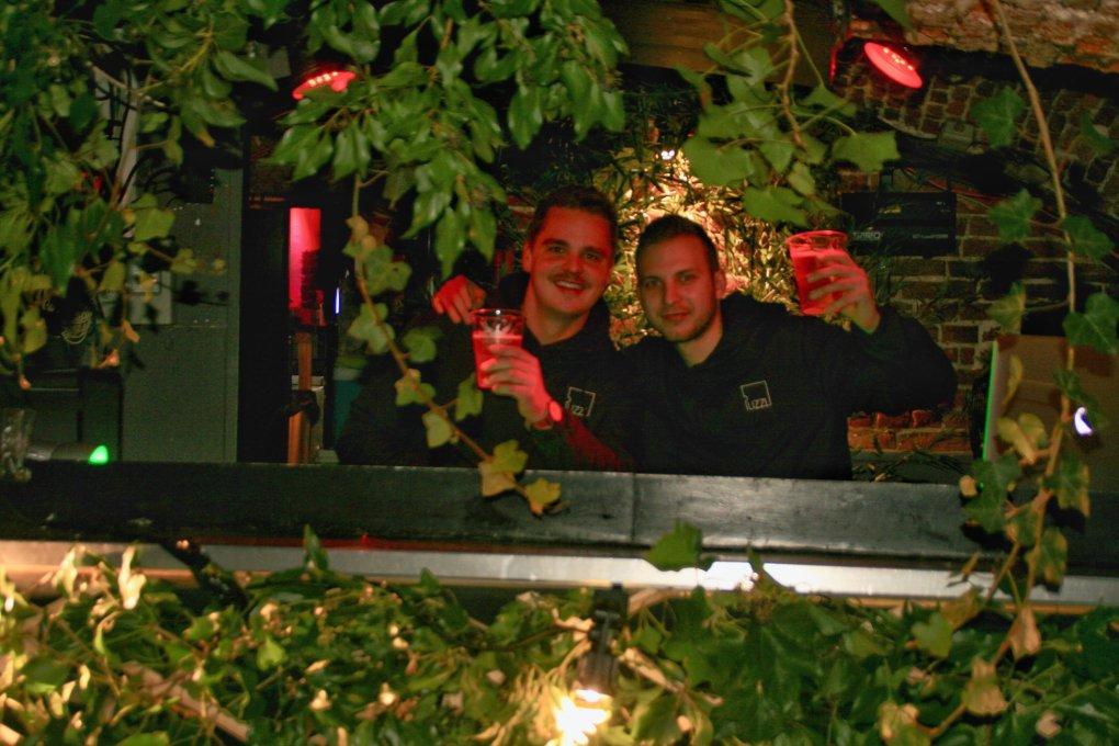 puzzl soirée disco house décoration