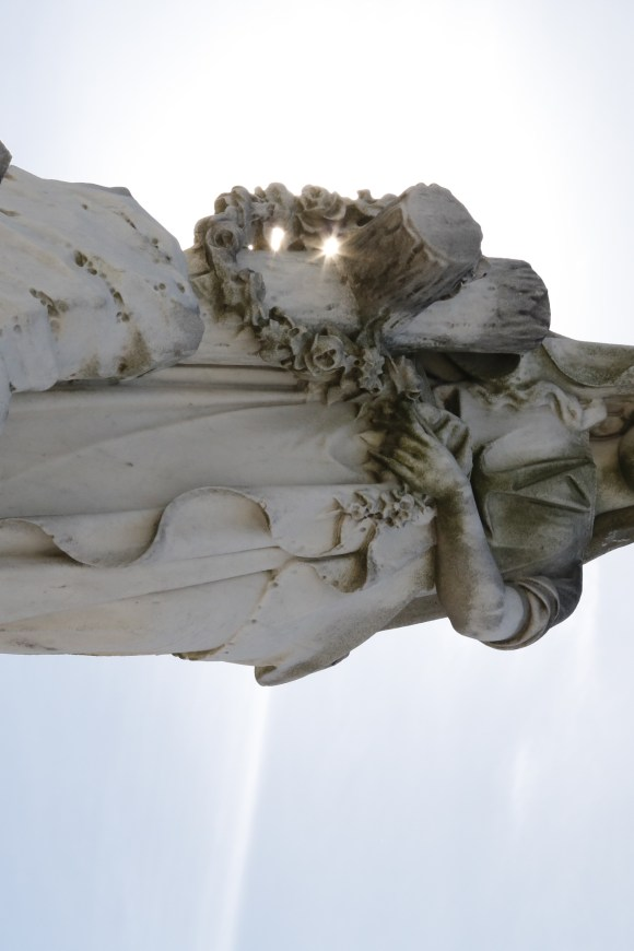 Lafayette Cemetery 2 Puzzle Box Horror images angle statue
