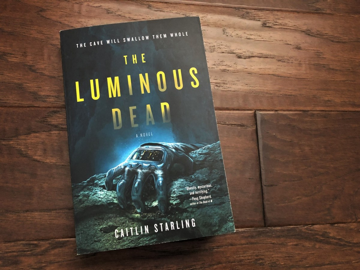 Luminous Dead Sci-fi horror book cover