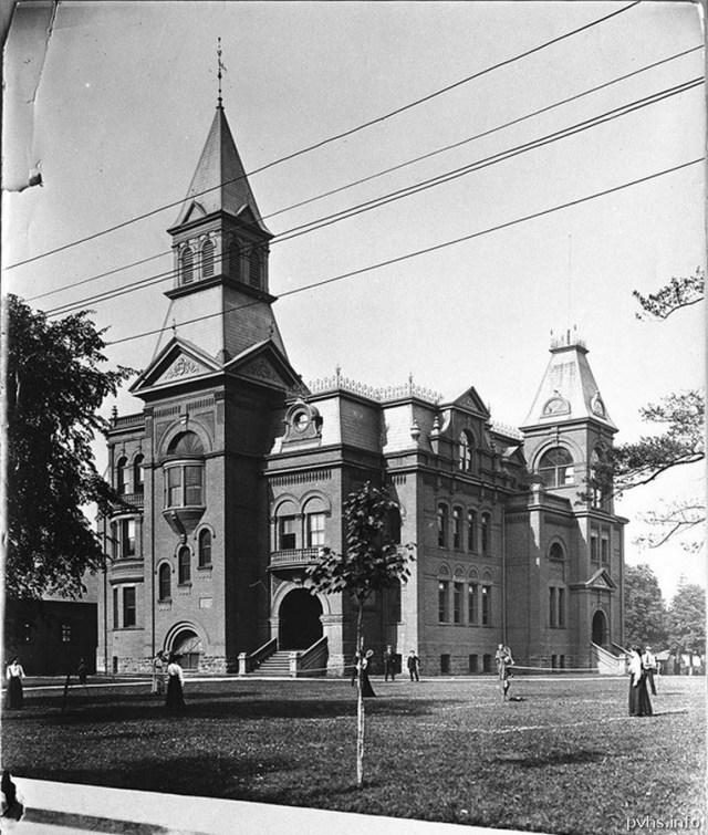 12 1889 Parkdale Collegiate on Jameson south of Queen St W. 1905 photo.