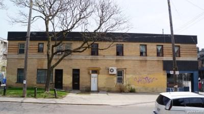 Cowan Ave (115)