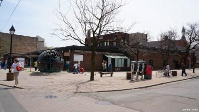 Cowan Ave (81)