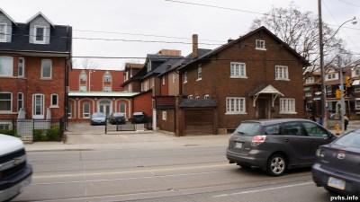 King St W (192)
