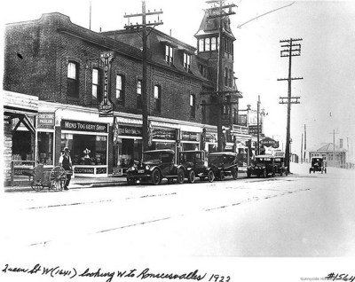 rq 1647 Queen St W. 1922 Ocean House archival