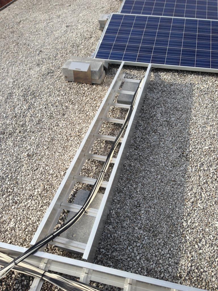 Dangerous-cabletray-wire-management2