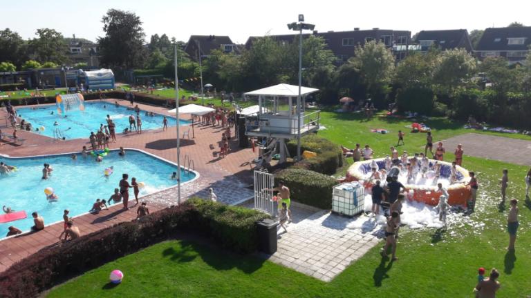 Stichting PWA Bad Koudekerk organiseert jaarlijks het moonlightzwemmen