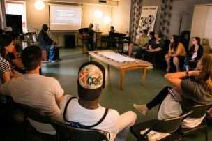 picture of a group teaching session