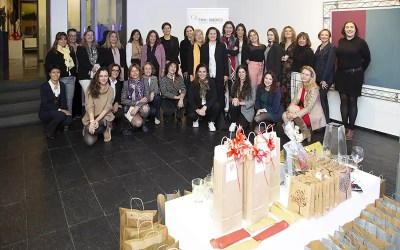 Mujeres profesionales celebran la Navidad con PWN Madrid