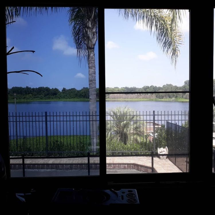 side by side comparison of tinted window in Orlando Florida