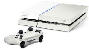 Une PS4 blanche existe aussi, mais à part sa couleur moins répandue, rien ne la différencie de la noire.