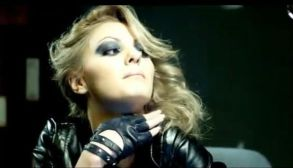 alexandra-stan-saxobeat-makeupforwoman