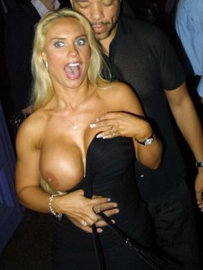 Nicole-Coco-Austin-topless-photos-1