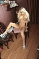 Amy Anderssen feet blonde tan 01