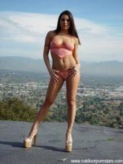 Ariana-Jollee-Feet-190022