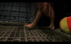 Summer-Glau-Feet-527213