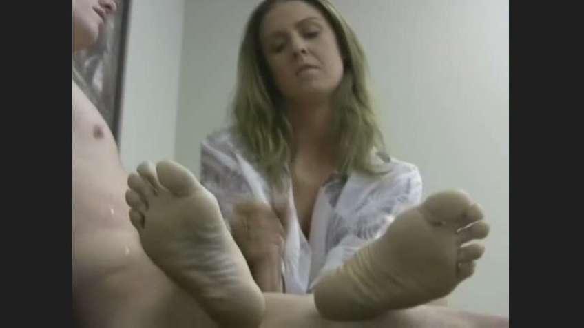 Jenny Jerky Girls bare feet soles