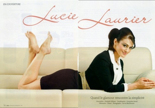 Lucie Laurier feet soles pose