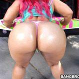 Pinky hard ass