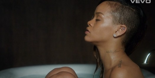 Rihanna stay nude RihannaStayVideo-568x288