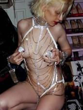 christina-aguilera-nude1-600x800