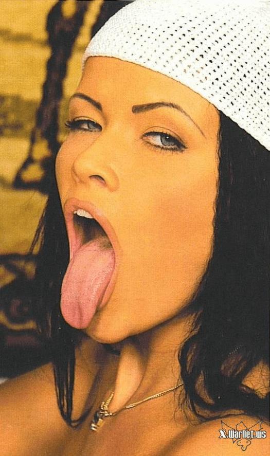 Tania Russof facial cumshot