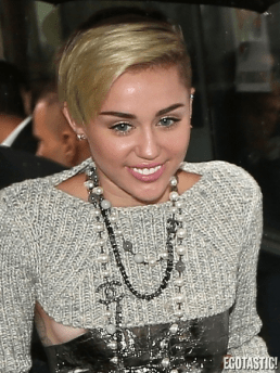 Miley Cyrus topless tits 35