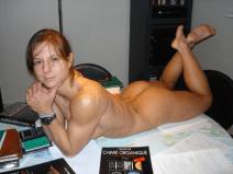 Sarah-de-Herdt-beautiful-slim-Bodybuilder