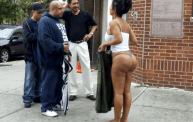 bootleg-kim-kardashian-butt-naked-with-huge-ass-cheeks-fights-men-on-nyc-street