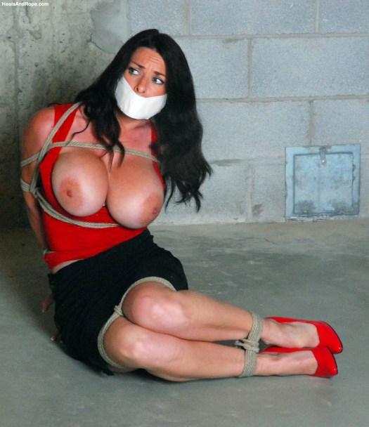 Goldie Blair bondage porn 03