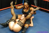 Goldie-Blair-vs-Afrika-catfight-wrestling