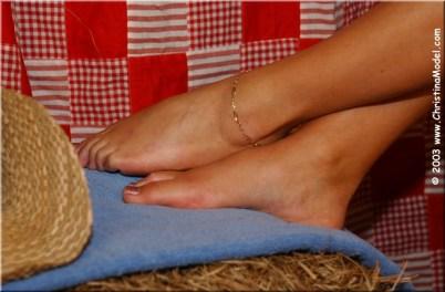 Christina-Lucci-Feet-1990597