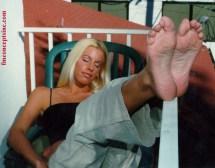 nicole_sheridan_feet_soles_up
