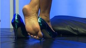 Elicia-Solis-Feet-1917789