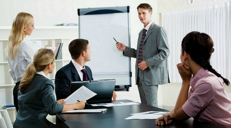 beneficios de capacitar a empleados