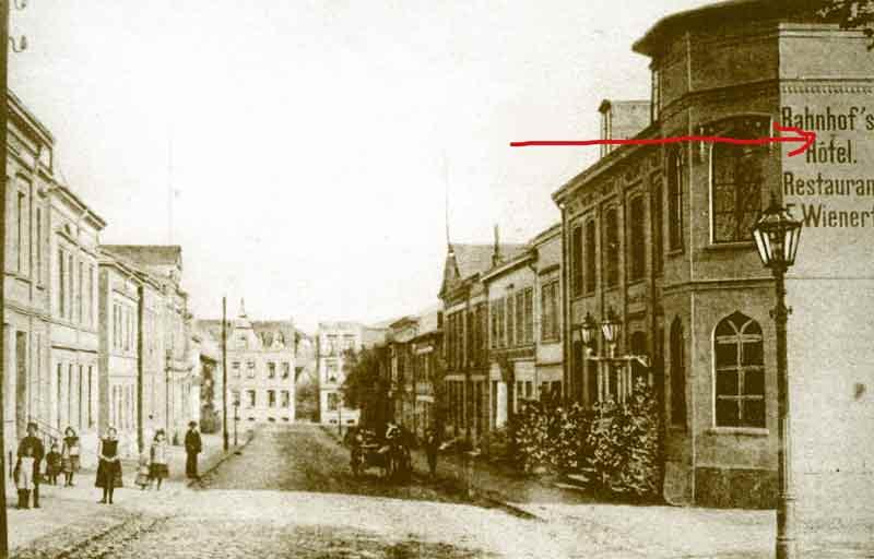 Deppen-Apostroph anno 1900 in einer norddeutschen Kleinstadt.