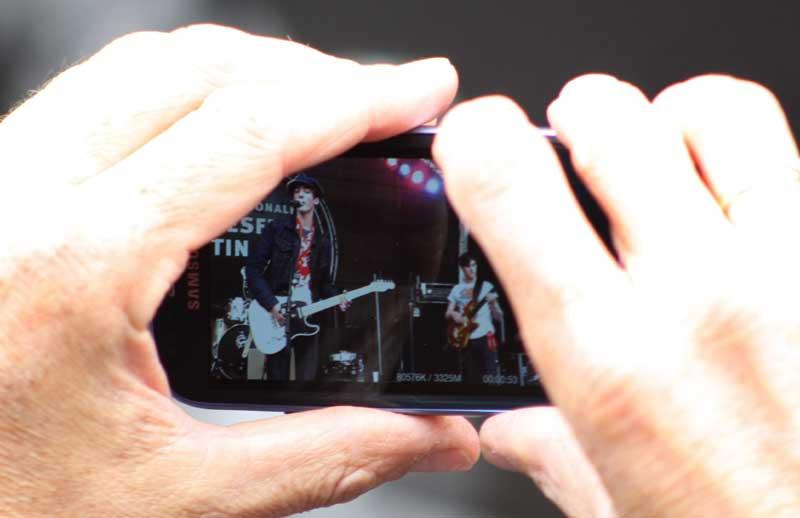 Geht auch, und heutzutage immer mehr: Handyfotografie