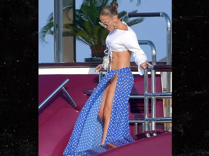 Jennifer Lopez deja ver más