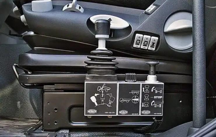 Camión volquete Mercedes-Benz Actros 4148 AK (8x8 4)